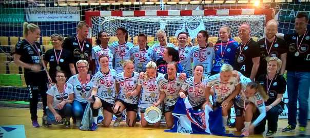 Damer, DM-bronze 2016. Foto fra TV 2 Sport