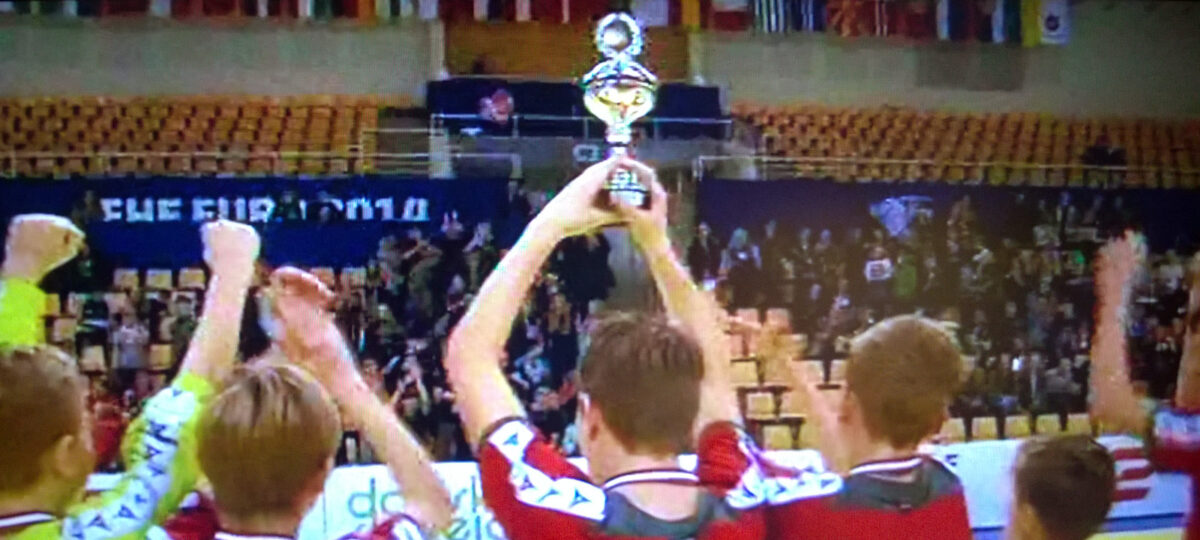 Tvis danske mestre i skolehåndbold